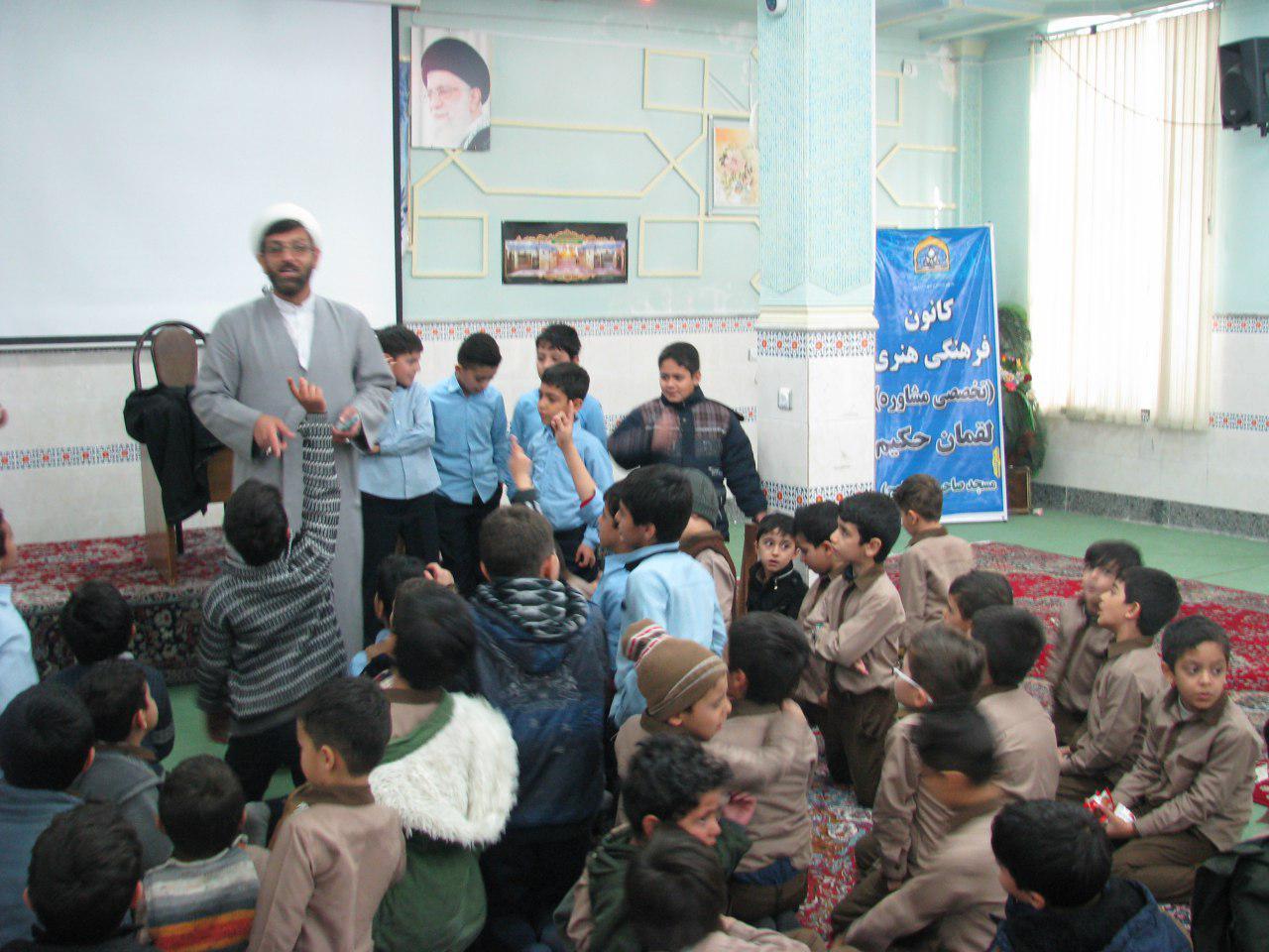اجرای نماز جماعت و برنامه فرهنگی برای دانش آموزان آموزشگاه فرهیختگان – سه شنبه هر هفته