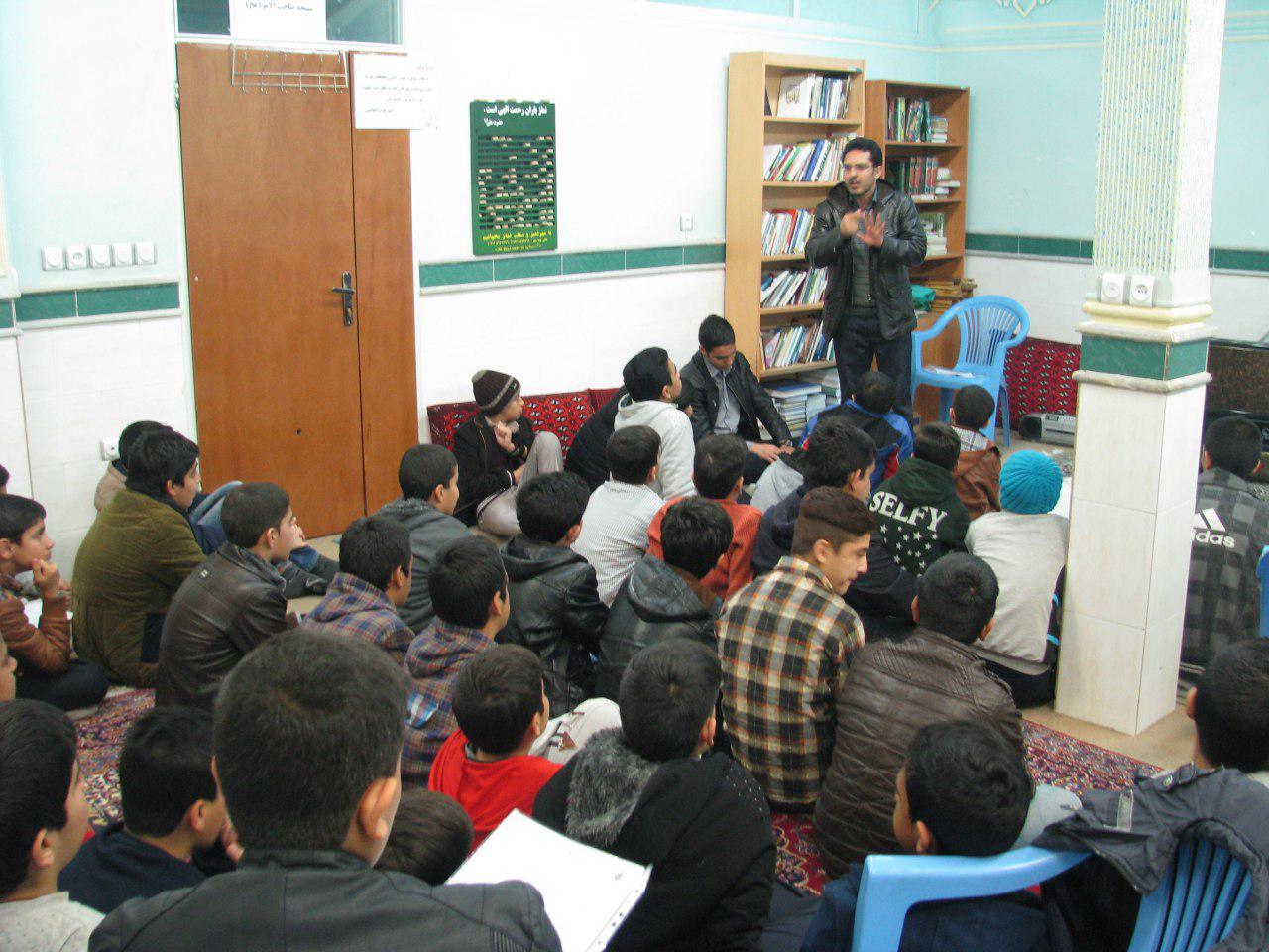 تصاویری ازجلسه معرفتی-سه شنبه ها برای دانش آموزان پایه هفتم و هشتم-دارالقرآن مهدیشهر