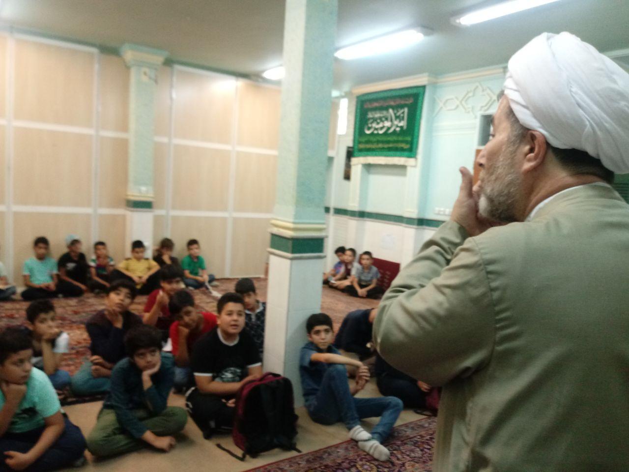 کلاس آموزش عملی وضو برای نوجوانان