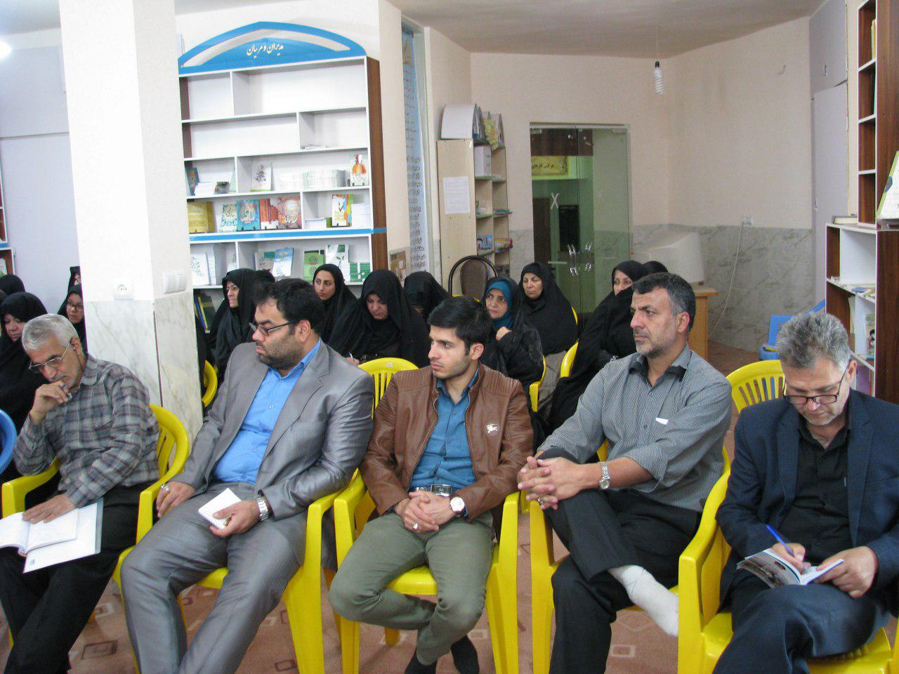 حضور مربیان پرورشی و معاونین محترم آموزش و پرورش شهرستان مهدیشهر در محل دبیرخانه مرکزی طرح مطالعاتی آرامش ماندگار