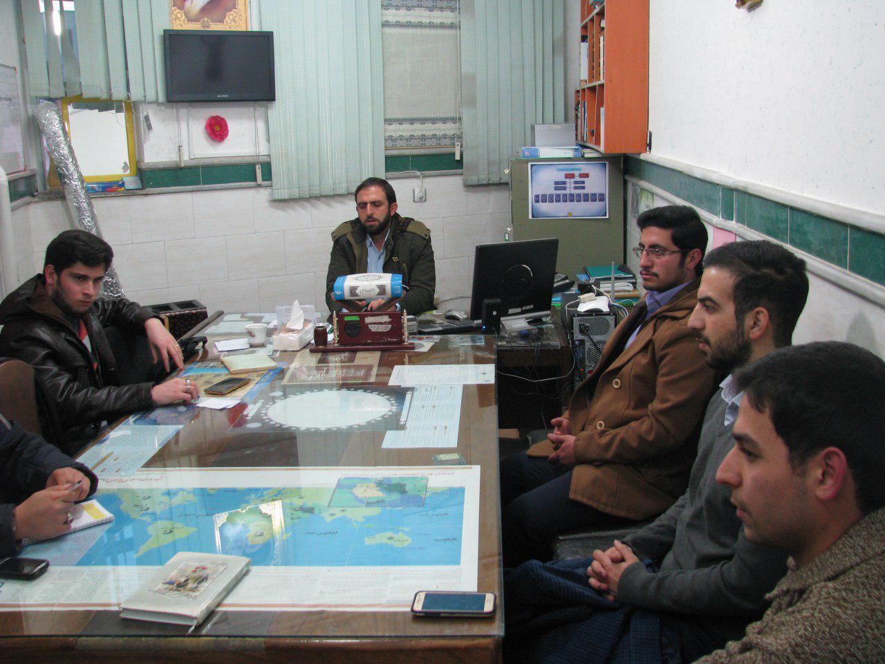 تصاویری از جلسه مشورتی شورای دانشجوئی دارالقرآن مهدیشهر
